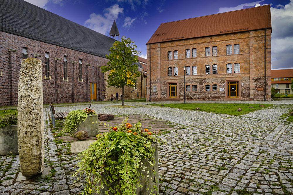 Lutherstadt Eisleben - Klosterladen und Kirche Kloster Helfta