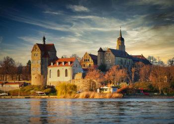 Mansfelder Land - Dorf und Schloss Seeburg am Süßen See